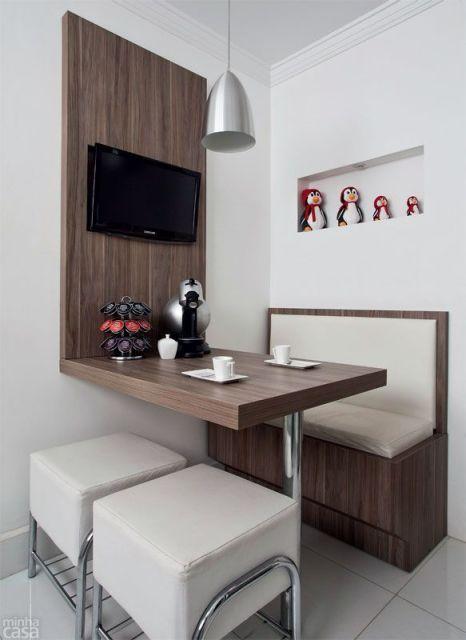 Modelos de painel para tv tipos e fotos for Mesa redonda para cocina pequena