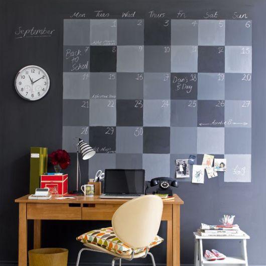 calendário pintado parede