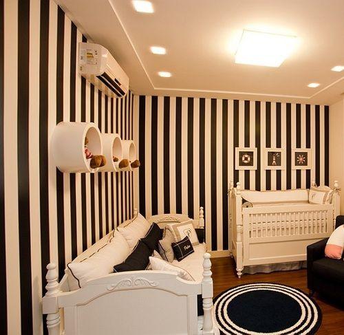 quarto bebê preto e branco