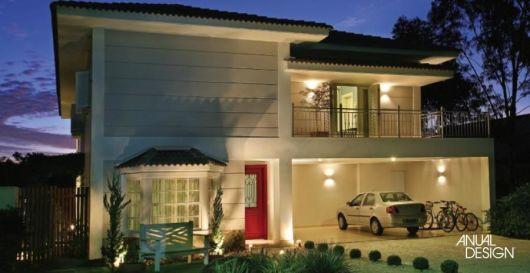 casa moderna porta vermelha