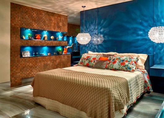 parede azul turquesa