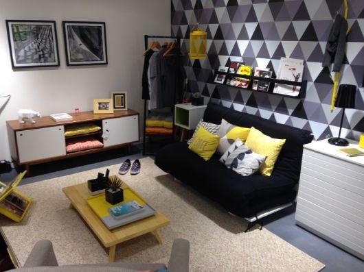 Sala De Tv Cinza E Amarelo