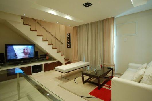 Sala Pequena Com Escada Decoracao ~ SALA COM ESCADA 30 ideias para decorar!
