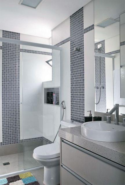 BANHEIRO CINZA 30 Ideias de Acabamentos e Decoração! -> Banheiro Com Acabamento Em Pastilhas