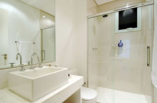 BANHEIRO SIMPLES tipos de acabamentos e como decorar! -> Banheiros Simples Com Ceramica