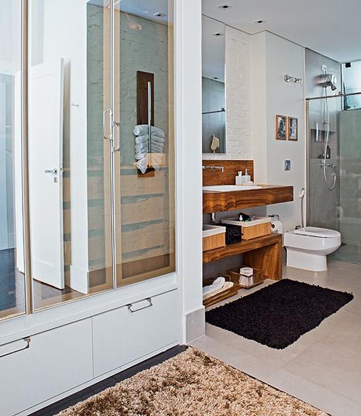 closet feminino com banheiro