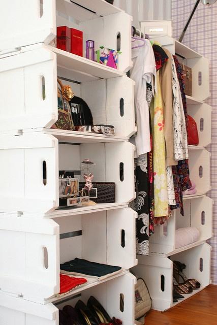 closet com caixotes