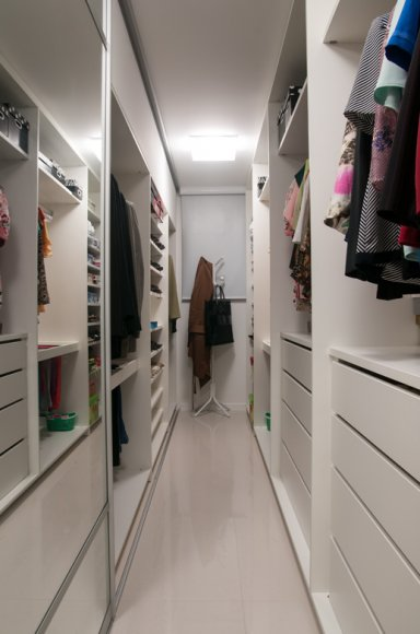 Closet pequeno dicas de organiza o e modelos for Closet blanco pequeno