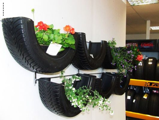 floreira de metade de pneu