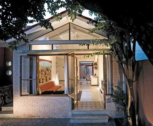 50 modelos de casas pequenas plantas e projetos for Fachadas de casas estilo rustico moderno