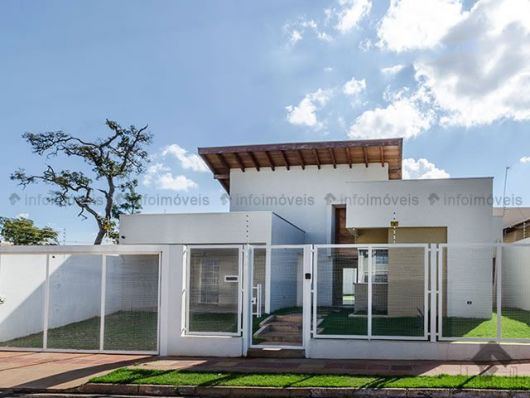 50 modelos de casas pequenas plantas e projetos for Modelos de fachadas para frentes de casas