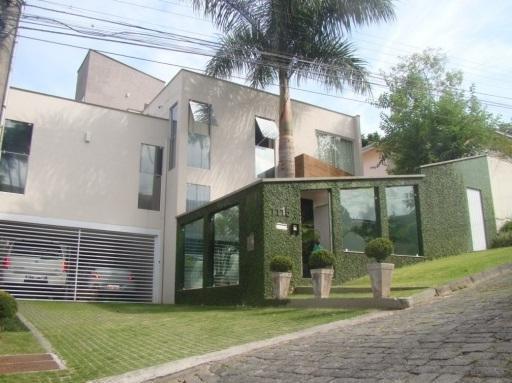 muro verde com vidro