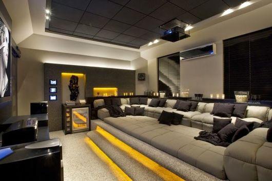 Sala Pequena Com Tv Grande ~ SALA DE TV MODERNA 30 ideias Incríveis de Como Decorar!