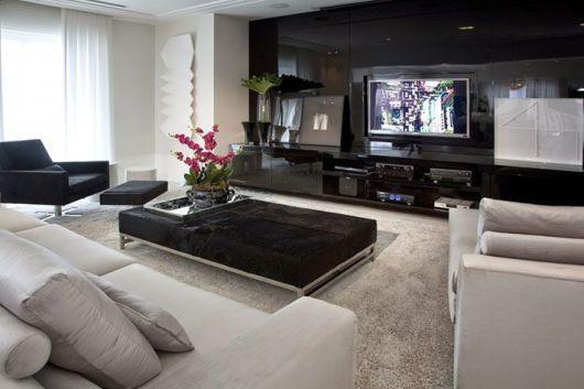 Sala de tv moderna 30 ideias incr veis de como decorar for Modelos de mesas cuadradas