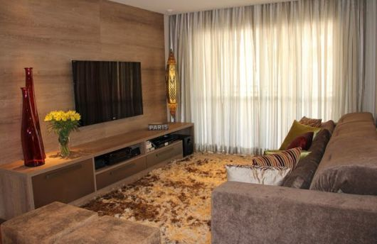 Sala de tv moderna 30 ideias incr veis de como decorar for Salas pequenas e modernas