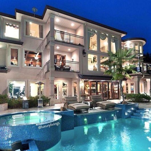 casa chique com piscina