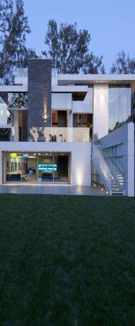 casa com vidro reflecta