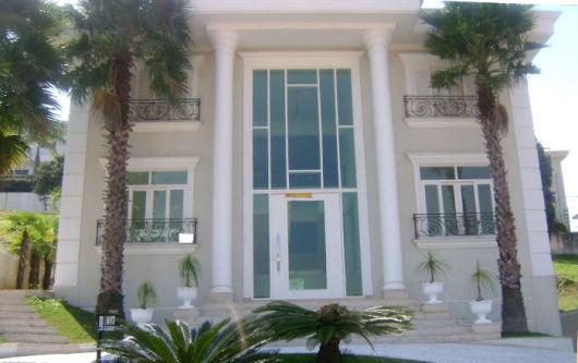 fachada com colunas