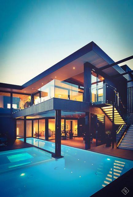 casa com escada externa