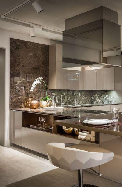 cozinha com mármore marrom