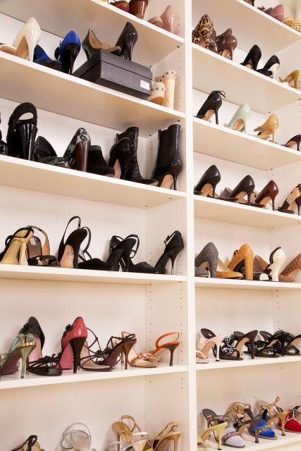 Como organizar sapatos 25 ideias para arrumar tudo for Modelos de zapateros