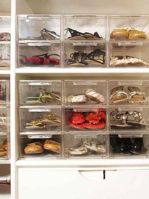 guarda roupa organizado