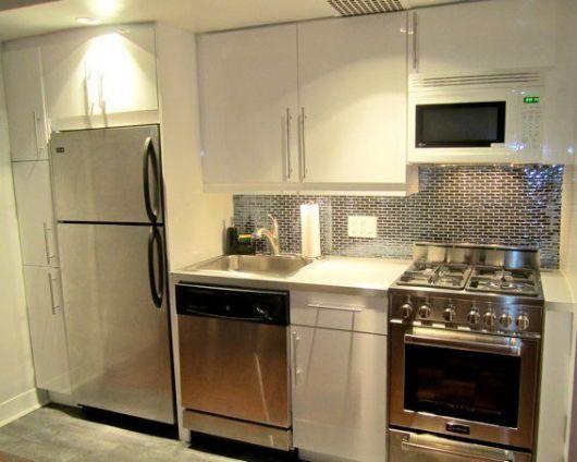 50 Ideias para Cozinha Branca Combinações e como Decorar! # Cozinha Pequena Inox Ou Branco
