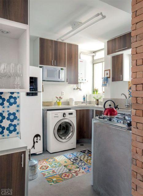 máquina lavar na cozinha