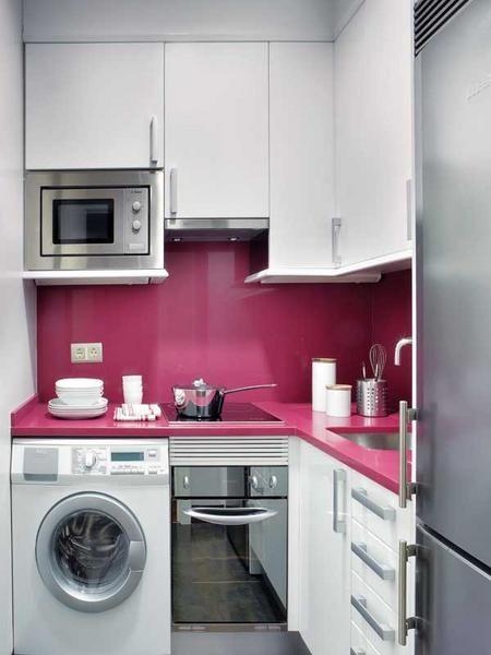 Cozinha com máquina de lavar
