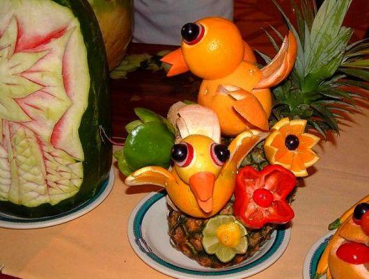 escultura de fruta