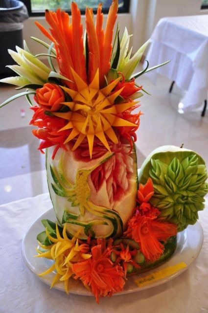 escultura com legumes