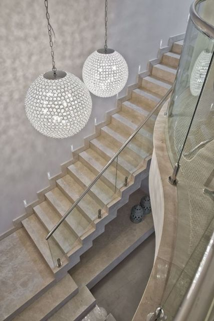 lustre para escada