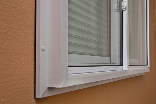 janela sobreposta