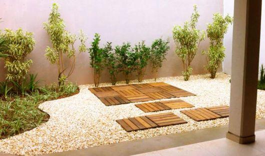 deck em jardim pequeno : deck em jardim pequeno:Linhas harmônicas definem o cantinho lateral