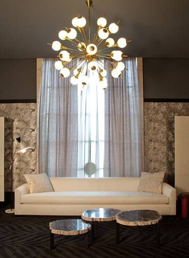 Altura Do Lustre Da Sala De Estar ~ Na sala com escada os ambientes se integram e o pé direito duplo pede
