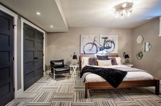 quarto masculino com cama de casal