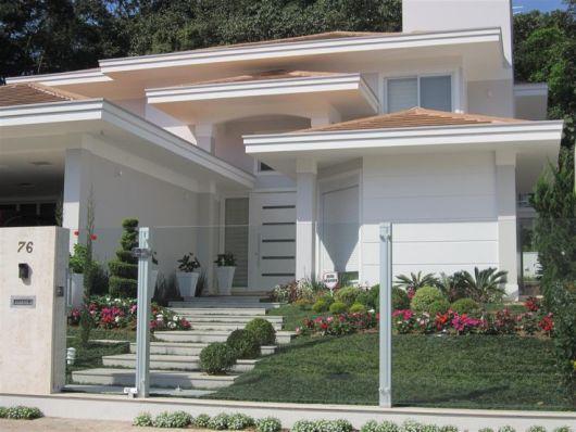 Casa com pintura clara