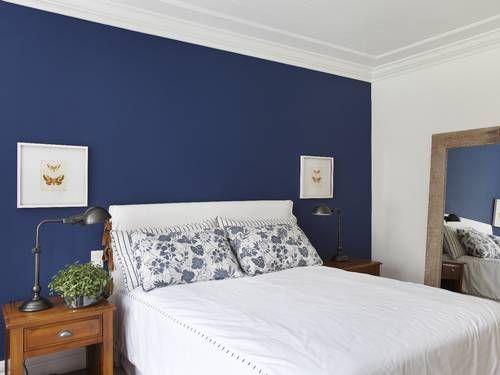 parede azul marinho