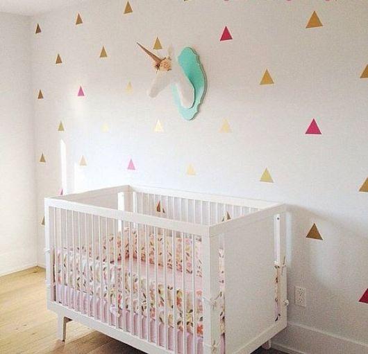 parede branca decorada