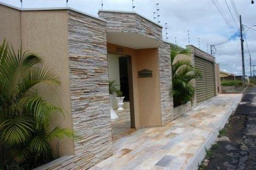 Revestimento para muro tipos e como fazer for Casa moderna 7x15