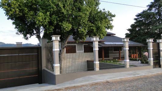 casa moderna com telhado