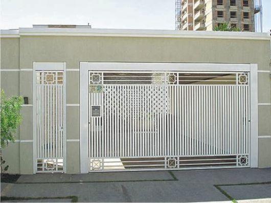 portão branco