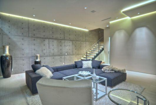sala de estar industrial e moderna