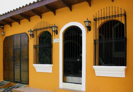 casa colonial fachada