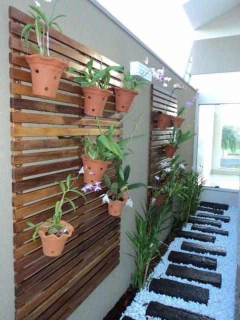parede decorada com orquídeas