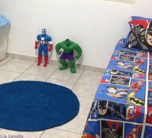 quarto de menino com tapete
