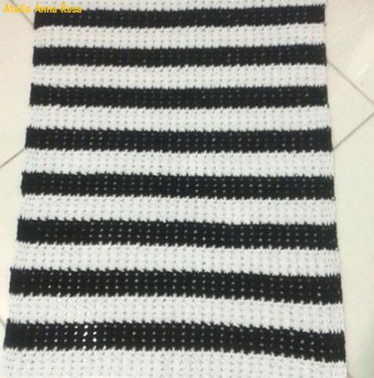 tapete preto e branco listras