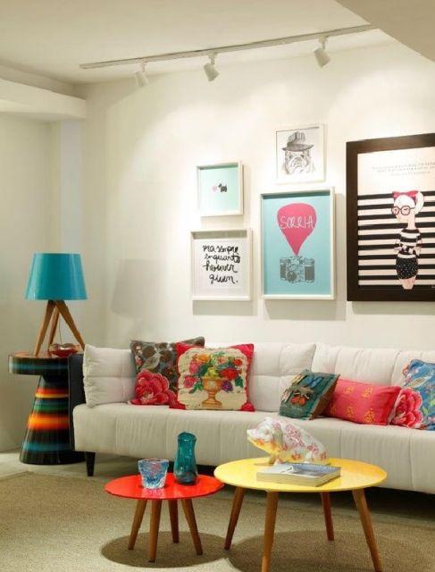 Salas modernas decoradas 55 fotos e ideias inspiradoras - Paredes decoradas modernas ...