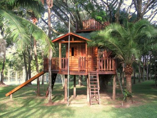 casa com telhado simples