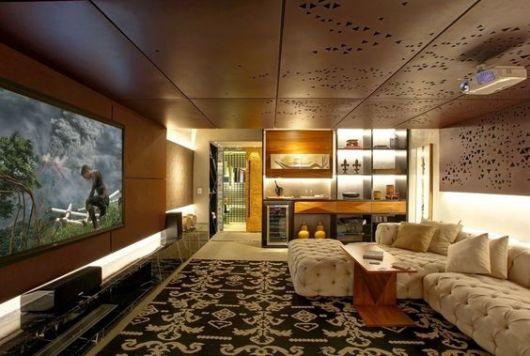 sala grande e sofisticada